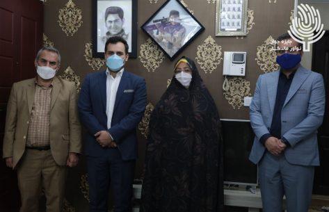 دیدار صمیمانه مسئولین واحد تهران غرب با خانواده شهید مدافع حرم